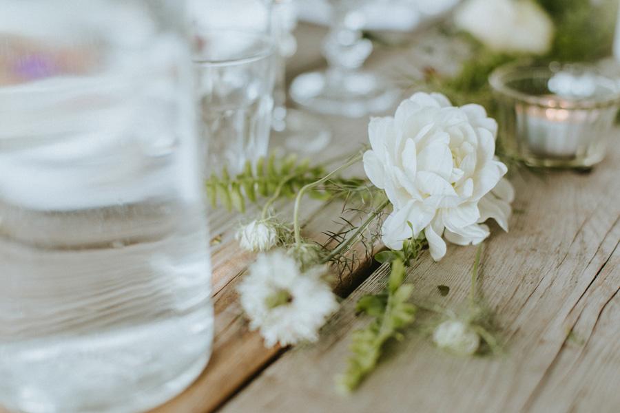 bröllopsfotograf,skåne,malmö,bryllupsfotograf,bryllup,bröllop,lantligt,trädgård,weddingphotographer,scandinavia,boho,bohemian,setting,dukning