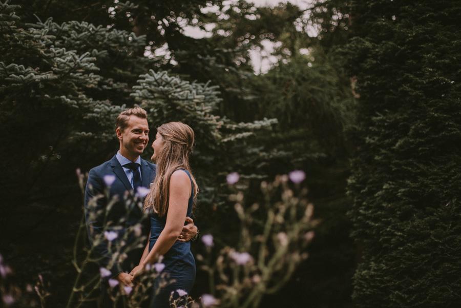 alnarp,kväll,bröllopsfotograf,skåne,golden,hour,sunset,couple