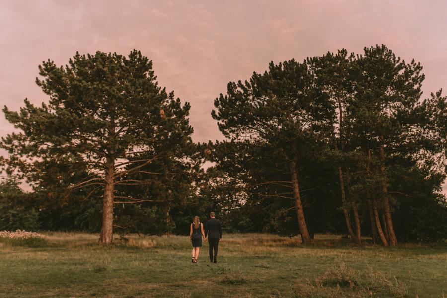 par,fotografering,träd,bröllopsfotograf,skåne,golden,hour,sunset,lomma