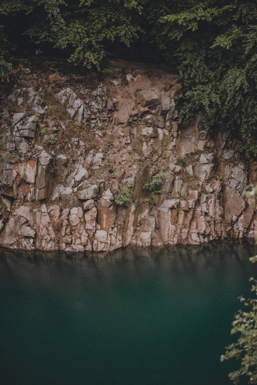 dalby,stenbrott,turkos,natur,bröllopsfotograf