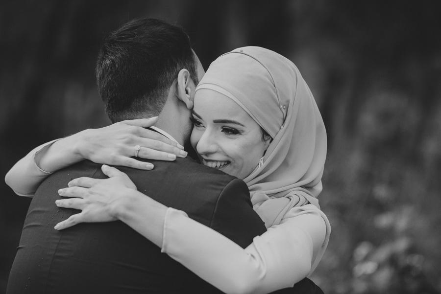 kram,hug,kärlek,bw,bröllopsfotograf,skåne