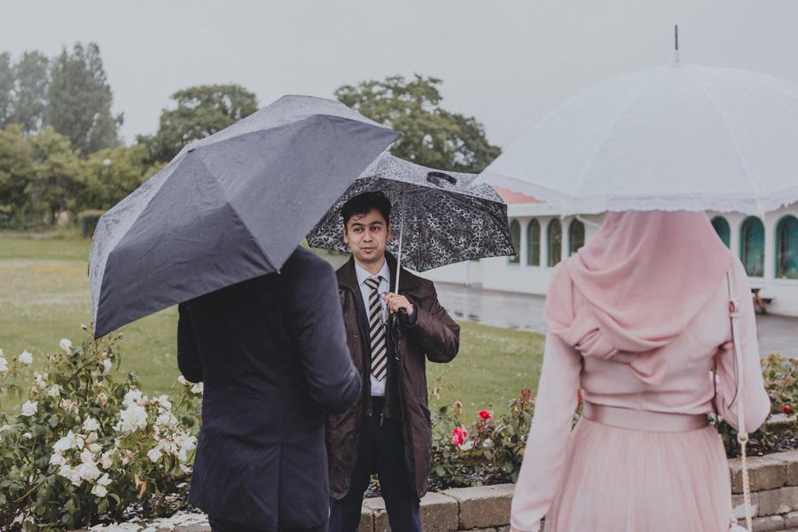 islamic,center,bröllopsfotograf,malmö,regn