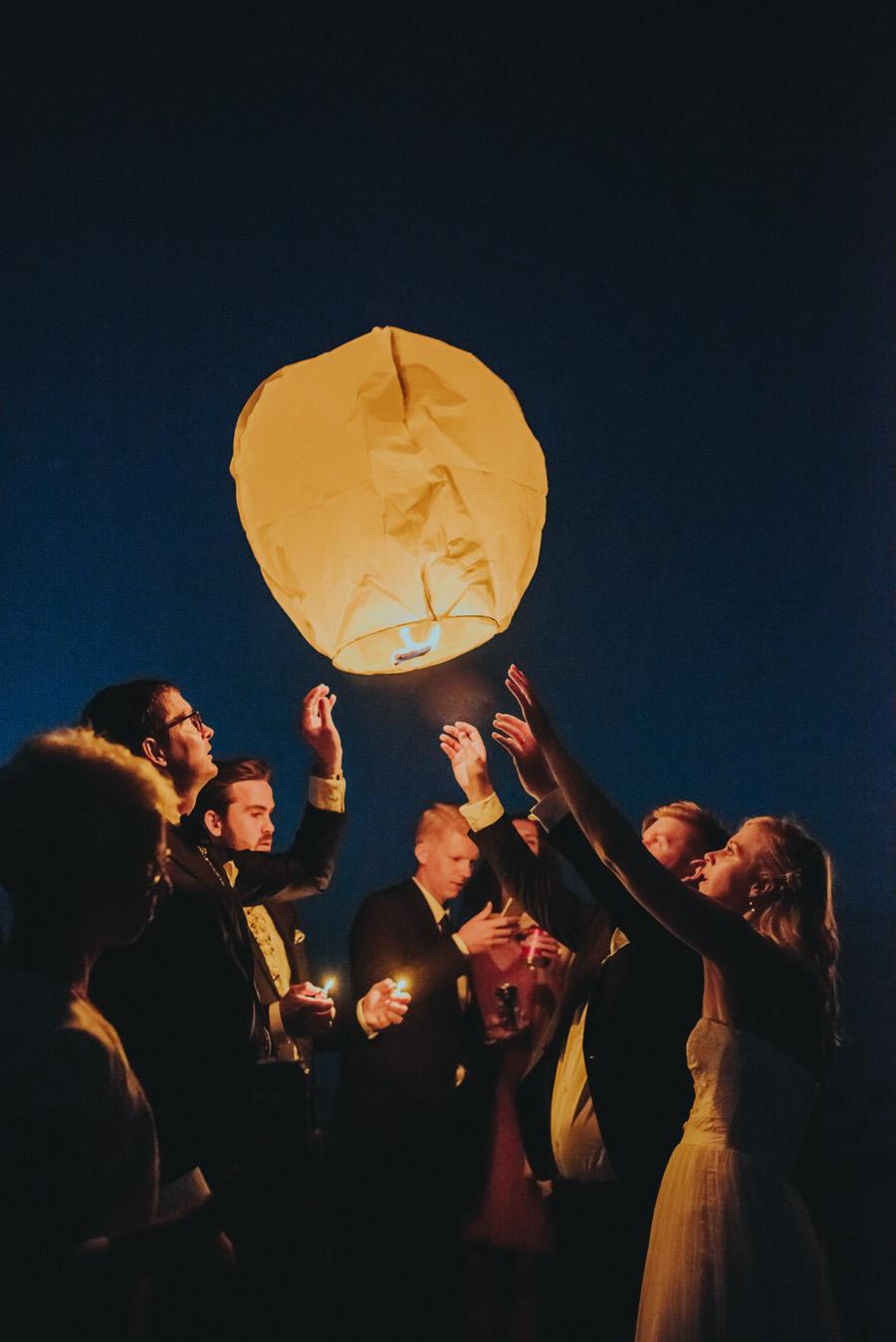 sky,lantern,wedding,österlen