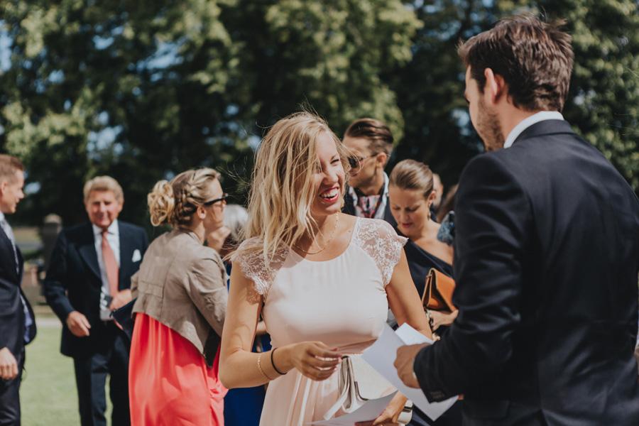 bröllopsfotograf,ravlunda,kyrka