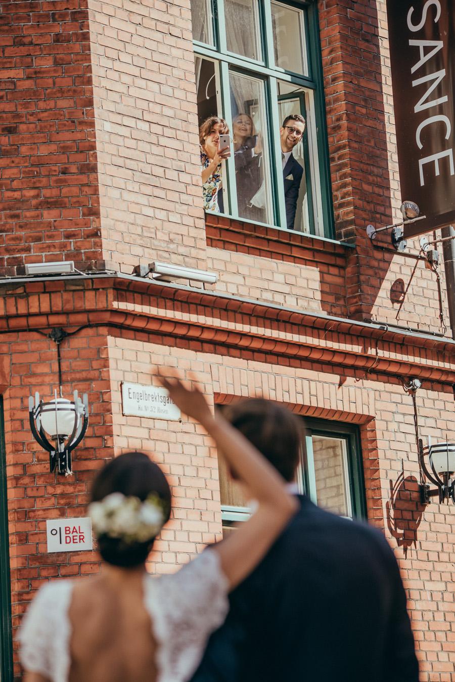 first look,bröllopsfotograf,malmö,preparations,skåne,weddingphotographer