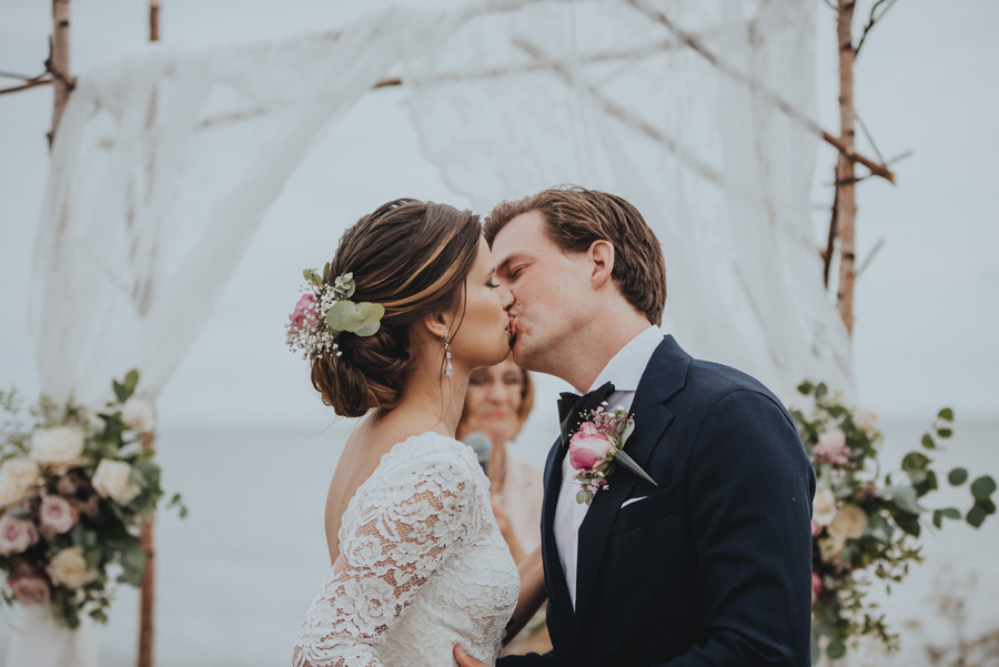 bröllopskyss,utomhusvigsel